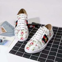 Simple-Gucci Men's and Women's Embroidery Leisure Sports Shoes White Shoes