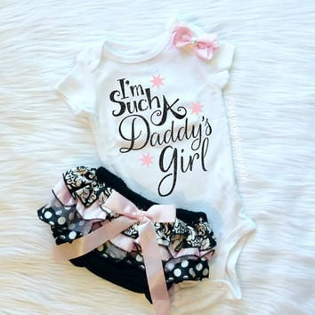 Baby Girl Clothes, Daddy's Girl, I'm Such a Daddy's Girl, Daddy Daughter, Bloomers and Bow Set, Black and Pastel Pink, Baby Shower Gift