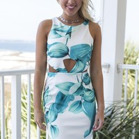 Queen Of The Isle Sleeveless Dress