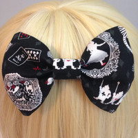 Black and White Alice in Wonderland Print Bow