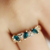 Fashion cute Austrian crystal ring sweet sparkling ring female gold color Green Ring Elegant Jewelry Made  Rings for Woman girl