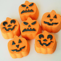 Pumpkin Spice Bath Bomb - Halloween Bath Bomb - Halloween Bath Fizzie - Pumpkin Bath Fizzy - Orange Bath Bomb