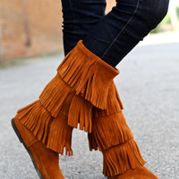 Minnetonka 3 Layer Fringe Boot {Brown Suede}