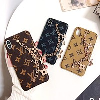 LV Classic Old Flower Checkerboard Pattern Wrist Chain Metal Phone Case
