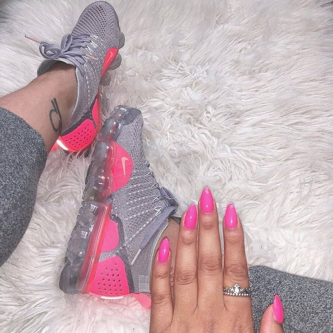 Image of NIKE Sneakers Sport Shoes Vapormax