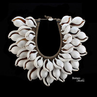 White Ovula Shell Necklace Handwoven Rope Base Collar Decorated With Three Rows Of Large White Shells Cottage Chic/Beach/Island Home Decor