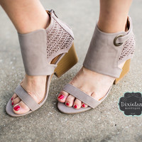 Jenna Wedges in Taupe