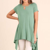 Umgee short sleeve tunic with handkerchief hem and split neckline