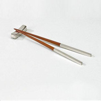 "Pr. 9"" Chopsticks w/ Rect Rest"