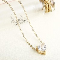 Crystal Pendant Necklace For Women Golden Color Simple Short Chain Shiny Heart Fashion Necklace For Wedding Birthday