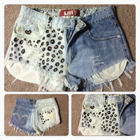 Vintage Levi's High waisted Destroyed Leopard print by JessieJeans