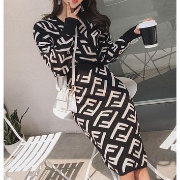 Fendi autumn and winter new style V-neck bat sleeves waist knitting fashion jacquard sweater sexy hip dress