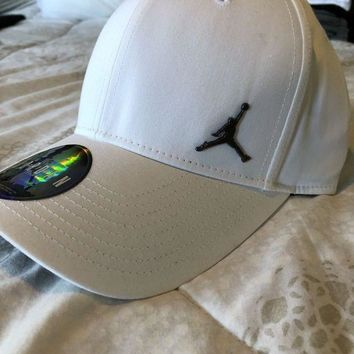 DCCKRQ5 Nike Jordan Jumpman Adjustable Men's Dad Hat / Cap White NEW