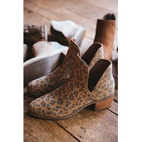Pronto Ankle Boot, Panther   Coconuts by Matisse