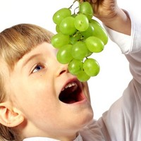 kids eating grapes - Google Search