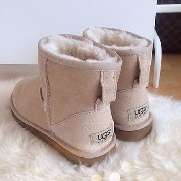 UGG autumn and winter new snow boots classic in tube solid color cowhide shoes for men and women cotton shoes
