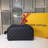 Kuyou Lv Louis Vuitton Fashion Women Men Gb2969 M47528 Monogram Travel All Collections King Size Toiletry Bag 28 * 16 * 13 Cm