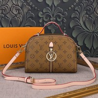 LV Louis Vuitton MONOGRAM CANVAS FASHION SHOW HANDBAG INCLINED SHOULDER BAG