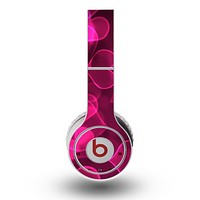 The Glowing Pink Outlined Hearts Skin for the Original Beats by Dre Wireless Headphones