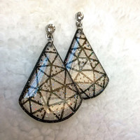 GEOMETRIC EARRING WATER DROP SHAPE
