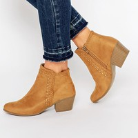 New Look Western Stitch Detail Boots