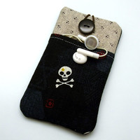 iPhone 6 plus sleeve, iPhone pouch, Samsung Galaxy S3, S4, S5 Galaxy note, cell phone, ipod classic touch sleeve - Skull