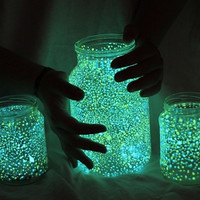 SUPERGLOW glow in the dark pigment powder - Up to 8 hours loom!