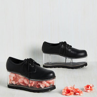 Fill of the Chase Flatform in Black | Mod Retro Vintage Flats | ModCloth.com