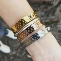 LV Tide brand personality fashion embossed letter bracelet