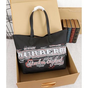 BURBERRY WOMEN'S LEATHER TWO-SIDED HANDBAG TOTE BAG