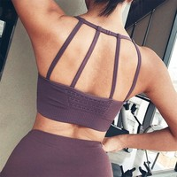 Oyoo Medium Support Seamless Strappy Sport Bra Army Green Wirefree Padded Gym Yoga Bra Top Sexy  Workout Activewear For Women