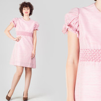 60s Light Pink Shift Mini Dress / Honeycomb Empire Waist Puffed Sleeves Dress / Mod Retro Mid Century Medium M Pink Sweet Pastel Dress