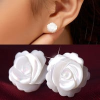 MT0171 Manual sculpture natural conch silver earrings