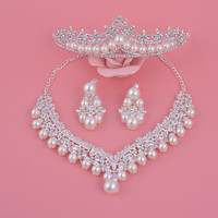2017 New Pattern Wedding Accessories Simulated Pearl Crystal Tiara Crown Earrings Necklaces Silver Plated Bridal Jewelry Sets
