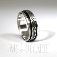 Small spinner ring in solid sterling silver, unisex brushed spinner ring you can personalize on the spinner