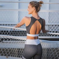 2018 NEW Fashion fitness Crop Top back Hollow out And Legging Sets Femme Printed 2 Piece Set striped workout Tracksuit