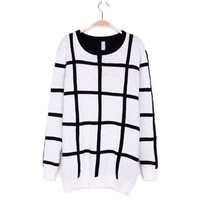 ZLYC Stylish Black and White Checked Design Scoop Neck Christmas Sweater For Women