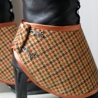 Ankle Spats with Hooks by MonjioCreations on Etsy