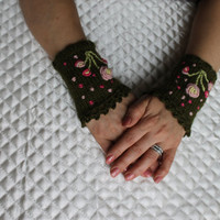 Knitted Fingerless Gloves,Green,Flower Embroidered,Accessories,Gloves&Mittens,Gift Ideas,Turkish handicraft,For her,Clothing and Accessories