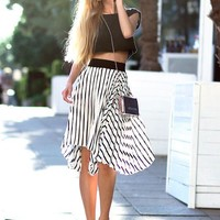 Pleated black and White Skirt | SPREDFASHION