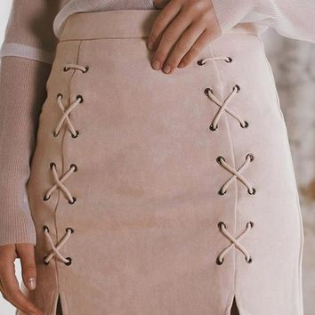 8DESS Lace Up Leather Suede Pencil Skirt Cross High Waist Skirt Zipper Split Bodycon Short Skirts