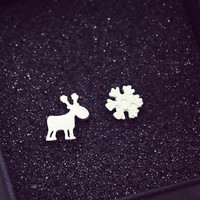 Snow Deer Unique Simple Silver Stud Earring + Beautiful Gift Box