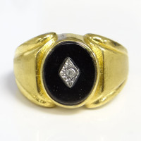 Vintage 18k HGE Men's Costume Jewelry Ring with Onyx Center Stone
