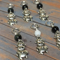 6 Snag Free Cow Stitch Markers