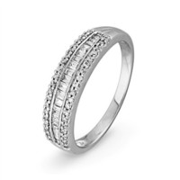10KT White Gold Baguette and Round Diamond Anniversary Ring (1/4 cttw)