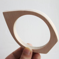 10 mm Wooden bangle unfinished rounded triangular - natural eco friendly NE2-10