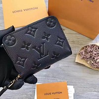 Louis Vuitton Classic Embossed Fashion Casual Ladies Short Small Wallet Card Slot Bag