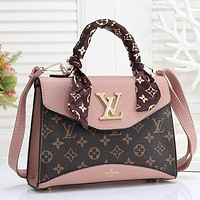 Louis Vuitton LV Classic Ladies Handbag Shoulder Messenger Bag Men's and Women's Cosmetic Bag