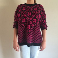 """80s Women's Classic Essentials Sweater Size 22.5"""" Made in USA Pink and Clack Floral Geometric Print"""
