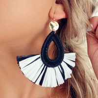 Giving In Earrings: Black/White
